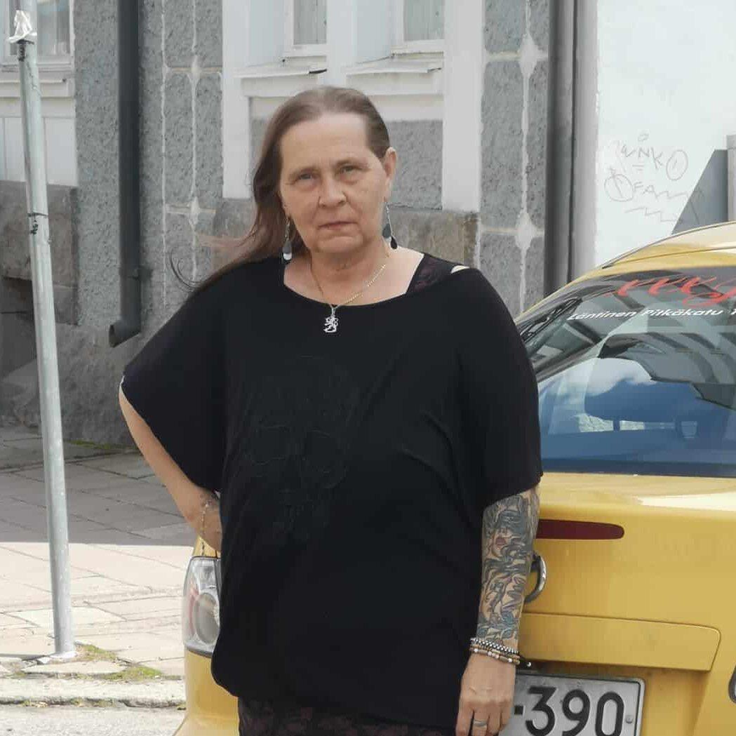 sari-ja-auto